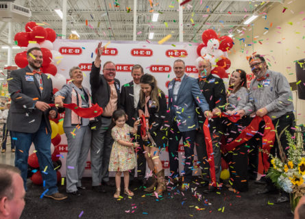 H-E-B opens Hudson Oaks store expanding commitment to North Texas - H-E-B Newsroom