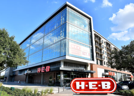 H-E-B Buffalo Heights store opens in Houston, company's first in mixed-use development - H-E-B Newsroom