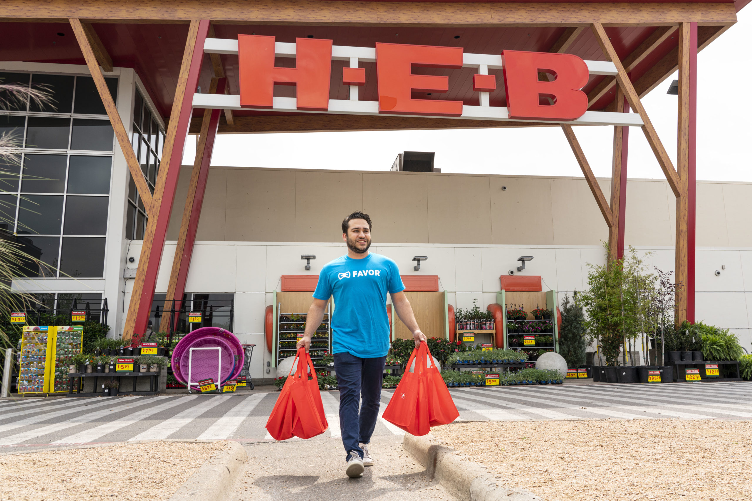 Texans Helping Texans  - H-E-B Newsroom