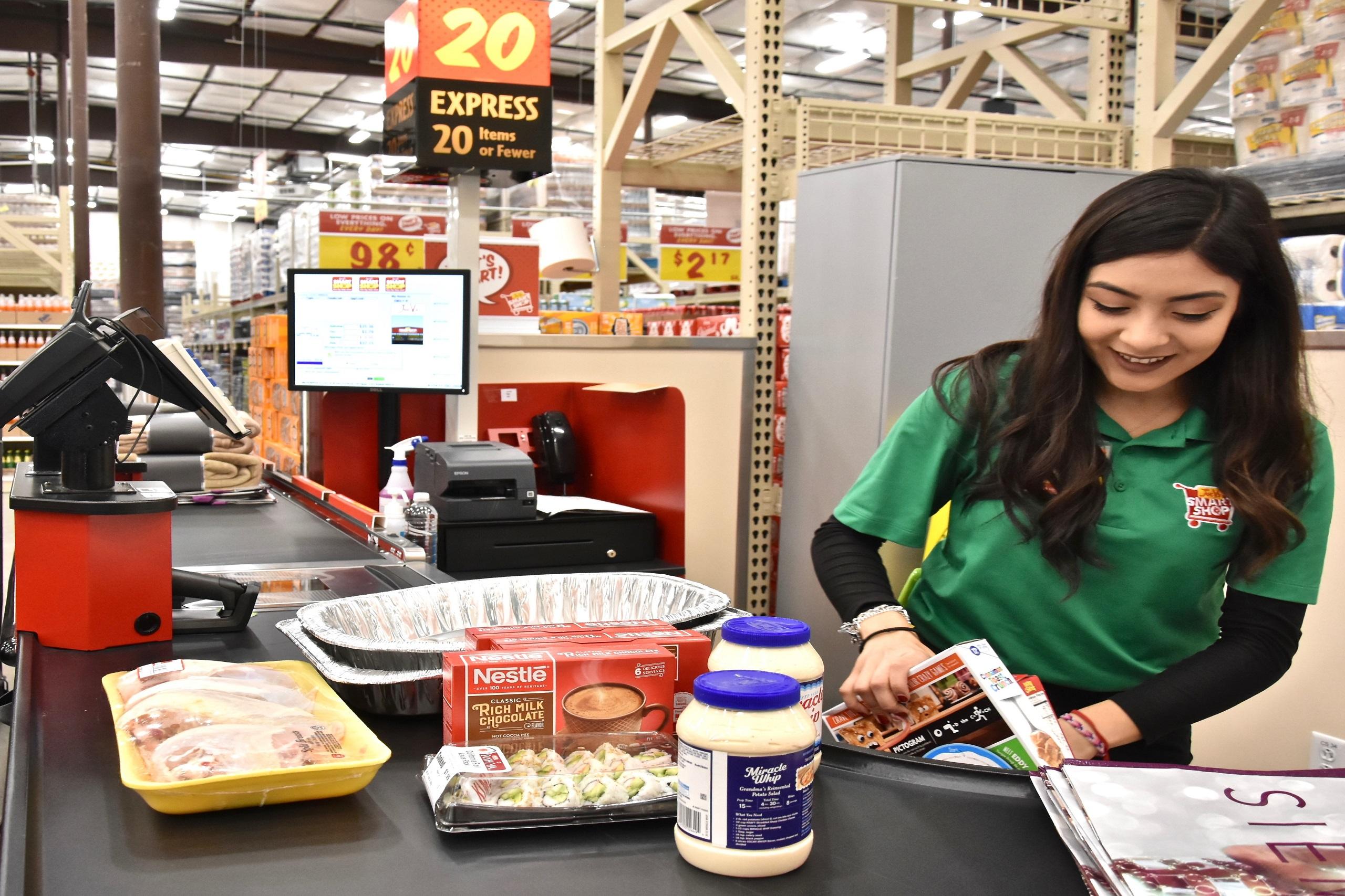 Joe V's Smart Shop and Mi Tienda make $100,000 gift - H-E-B Newsroom