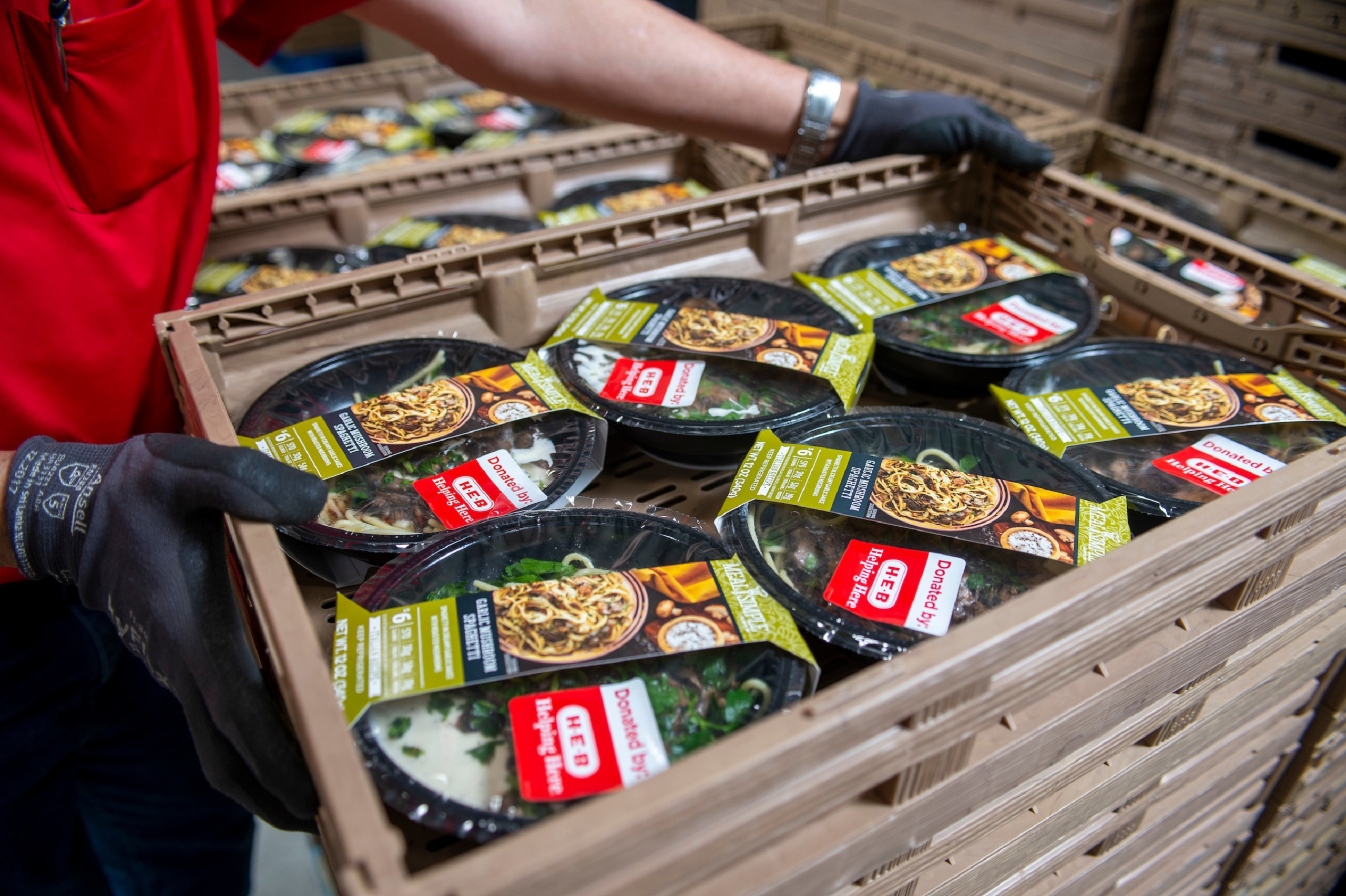 Feeding the frontlines: H-E-B provides meals to healthcare workers  - H-E-B Newsroom