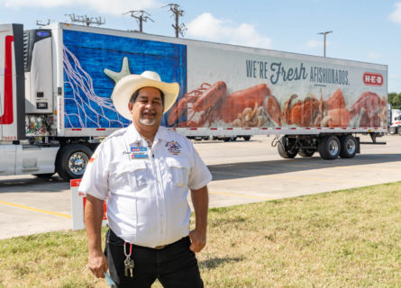 H-E-B driver achieves 4 million consecutive safety miles behind the wheel - H-E-B Newsroom